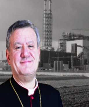 """Difende un immigrato, attacco social al vescovo """"politico"""" di Acerra: «Accoglilo tu»"""